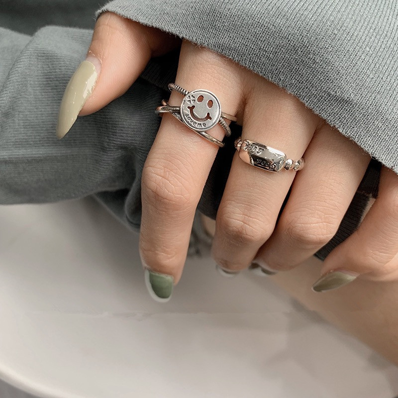 Get your trendy look with rings